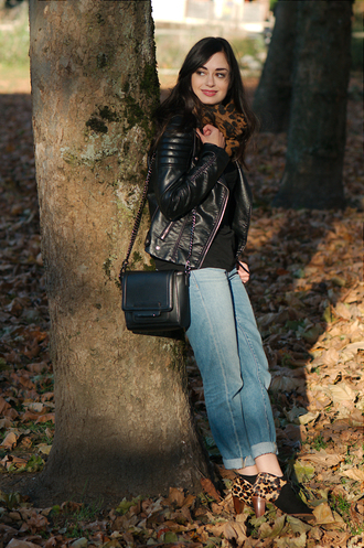 coco and vera blogger jacket t-shirt jeans bag scarf sézane leopard print
