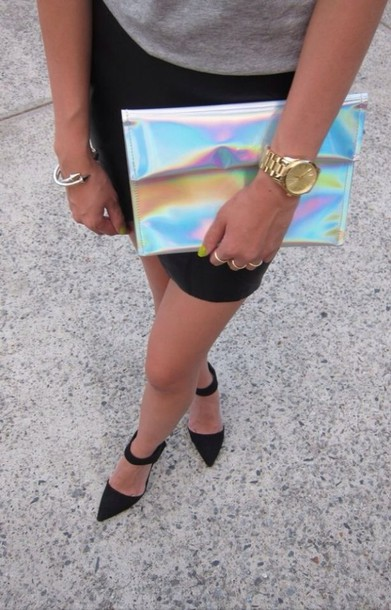 bag shoes jewels silver clutch holographic tumblr black pointy heels black shoes pointed toe rainbow holographic purse silver raimbow clutch metallic shiny handbag metallic clutch