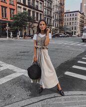 top,checkered,skirt,bag,white t-shirt,sunglasses