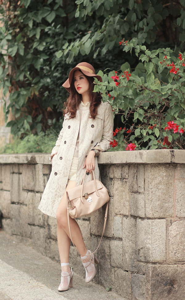 mellow mayo hat coat sweater t-shirt shorts bag shoes