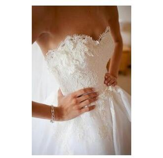 dress wedding dress wedding clothes white white dress beautiful lace dress sleeveless dress sleeveless floral dress sweetheart dress strapless wedding dresses strapless sweet cute cute dress