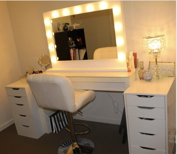 Home accessory: makeup table, home decor, make-up, style, i need this help - Wheretoget