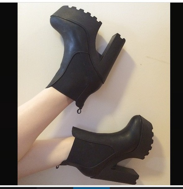 shoes black heels chuncky mesh dope high boots