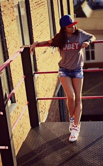 sweater long hair grey obey sexy sweater swag dope snapback shorts t-shirt red and white logo shoes shirt hat indie hipster red blue grey t-shirt