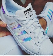 shoes,adidas shoes,adidas superstars,trainers,low top sneakers,white sneakers,adiddas,metallic,adidas,white
