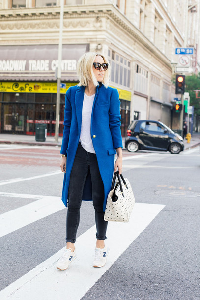 damsel in dior blogger blue coat white bag t-shirt coat shoes bag jeans
