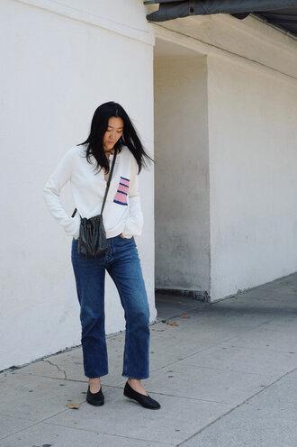 jeans tumblr blue jeans shirt white shirt shoes flats black flats bag black bag bucket bag