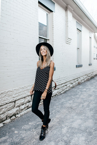 styled avenue blogger top shoes bag hat felt hat tank top skinny jeans ankle boots spring outfits