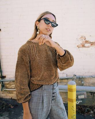 sweater cat eye jewels tumblr brown brown sweater pants plaid plaid pants knit knitted sweater sunglasses earrings
