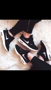 shoes,nike,nike shoes,black,white,nike air max thea,air max,black and white,fashion,leggings,noir nike,nike running shoes,sports shoes,rosie,cute,sneakers,nike air force