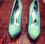 shoes,rhinestones,rhinestone shoes,tights,tiffany blue shoes,tiffany and co,mint dress,heel,heels on gasoline,high heels,perfect,perfecto,hot pants,beach dress,sweet 16 dresses,prom dress,prom shoes,style