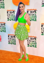 skirt,katy perry,top,shorts,jewels,shoes,make-up