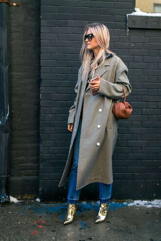 coat nyfw 2017 fashion week 2017 fashion week streetstyle masculine coat oversized grey oversized coat oversized coat bag brown bag mini bag denim jeans blue jeans boots gold boots ankle boots pointed boots metallic metallic shoes sunglasses