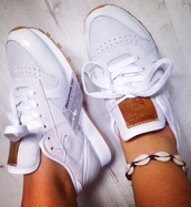 shoes,Reebok,reebok classics,reebok shoes,reebok classic,sneakers,white sneakers,low top sneakers