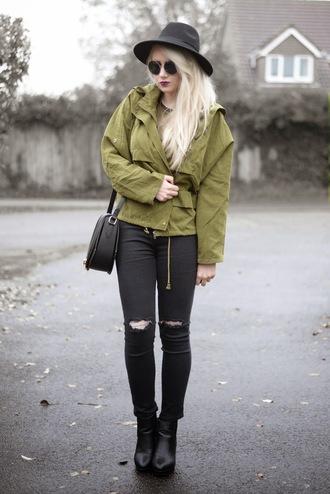 sammi jackson blogger khaki hat ripped jeans black jeans grunge