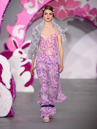 dress pink floral maxi dress coat runway model fashion week 2016 london fashion week 2016