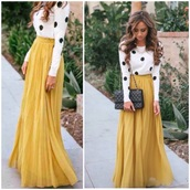 skirt,maxi,long,denim,yellow skirt,summer outfits,winter outfits,polka dots,print,white crop tops,crop,cropped,high waisted skirt,sweater,top,tank top,shirt,t-shirt,bag,jewels,classy,style,hot,long sleeves,yellow,white t-shirt,high top sneakers,cozy,knitwear,knitted sweater,streestyle,streetwear