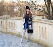 gloves,shoes,only my fashion style,blogger,coat,sweater,bag,beanie,boots,grey boots,shoulder bag,winter outfits