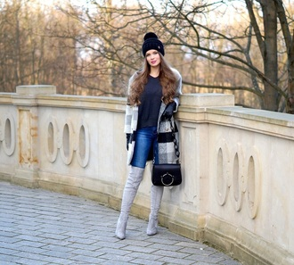 gloves shoes only my fashion style blogger coat sweater bag beanie boots grey boots shoulder bag winter outfits
