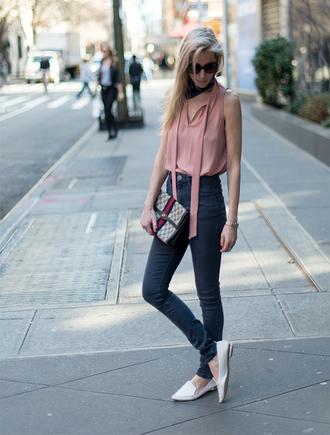 yael steren blogger top jeans scarf shoes sunglasses jewels make-up bag