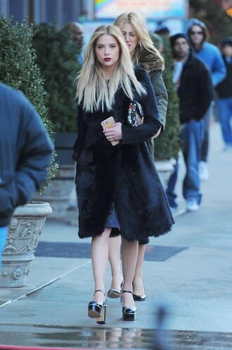 shoes ny fashion week 2016 fashion week 2016 ashley benson coat purse streetstyle