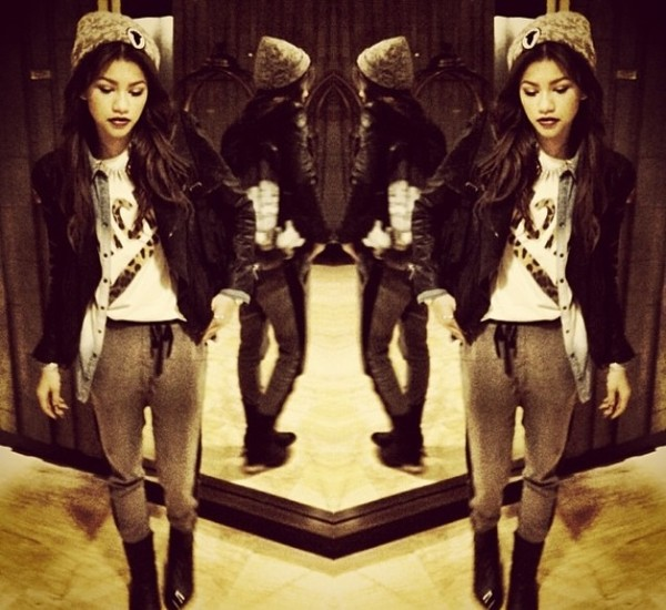 pants cozy zendaya zendaya swag swag tumblr girl girly grey grey sweatpants sweatpants cute jacket hat shirt