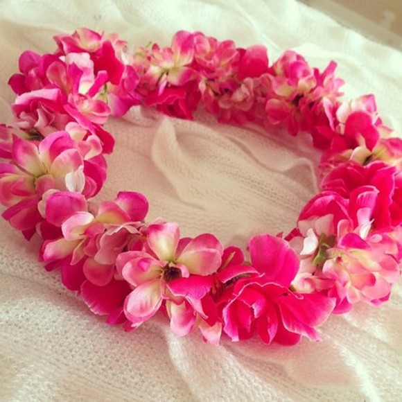 flowers pink flowers clothes jewels style flower crowns crowns disney clothes a fashion love affair hair bow hair accessory