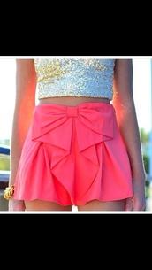 shorts,pink,bow,gold,pretty,stylish shorts,pink ribbon,bow shorts,folding,sparkle,glitter,High waisted shorts,hot pink,tank top,skirt,tights