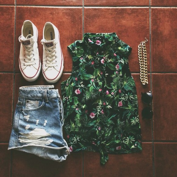 blouse shorts summer outfits green blouse green tropical spring floral tropical pattern floral