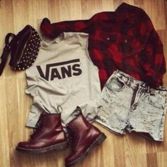 t-shirt shorts plaid shirt flannel shirt combat boots