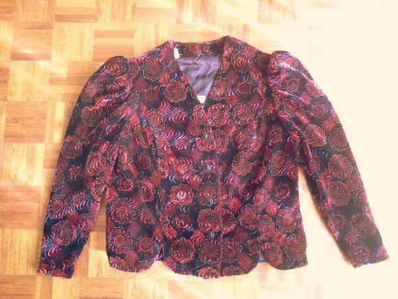 70s floral velvet jacket size large / vintage velvet by ChicUtopia