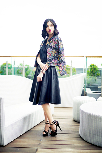 olivia lazuardy blogger sandals midi skirt circle skirt floral jacket skirt shoes