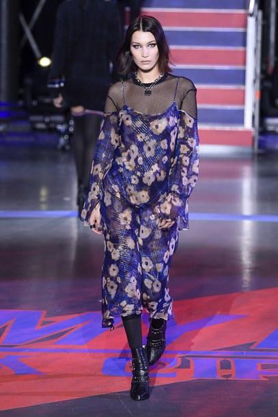 dress top tommy hilfiger bella hadid model runway london fashion week 2017 floral dress midi dress