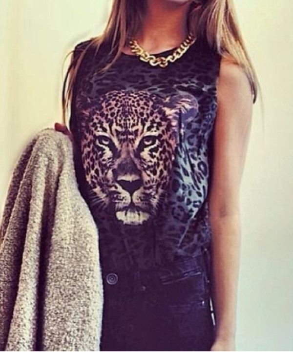 t-shirt lion top animal print black beautifull girl jewels