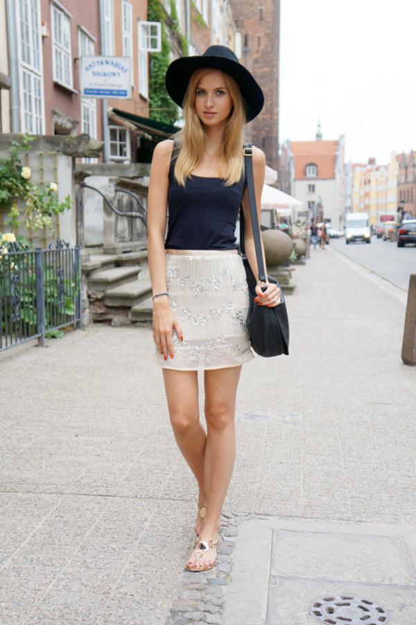 beauty fashion shopping skirt t-shirt bag shoes jewels hat