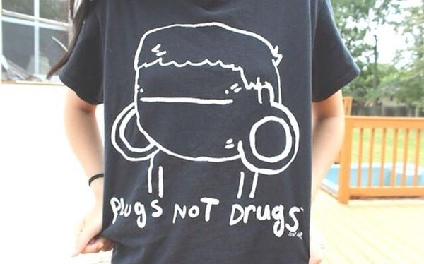 t-shirt black white ear plug girly top