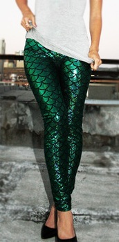 leggings,mermaid,green,holographic,green leggings,fashion,fish scales
