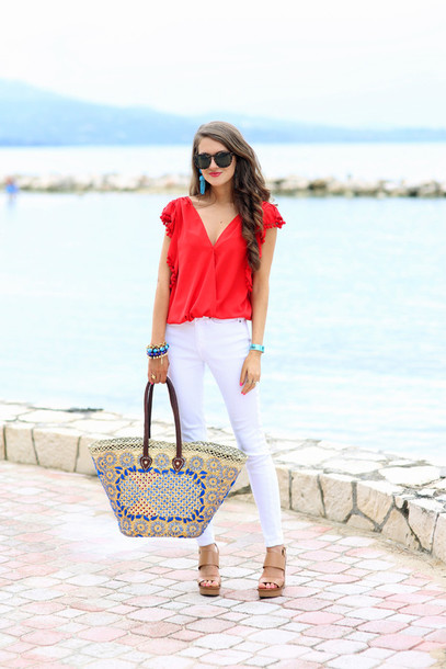 southern curls and pearls blogger red top white jeans basket bag