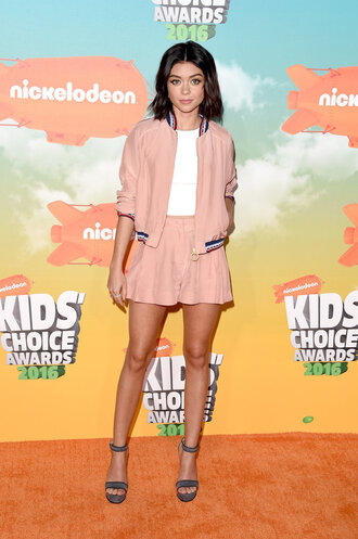 shorts top jacket sandals spring outfits sarah hyland