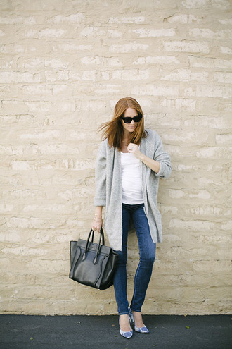 could i have that blogger shoes cardigan sunglasses bag t-shirt jewels
