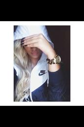 jacket,nike sweater,nike jacket,black and white,nike,white,black jacket,sports jacket,white t-shirt,nike air,jacket navy blue,white jacket,windbreaker,blue and white