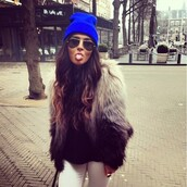 jacket,hot,beautiful,pretty,paris most wanted,fur,fur jacket,coat,blue beanie,white jeans,white pants,faux fur,black white coat,bicolor,faux fur jacket,colour block,hat,grey,ombre,beanie,sunglasses,long hair,hair,ombre hair,ombre bleach dye,ombre top,ombre jacket,aviator sunglasses,cute,white dress,shades,mirrored sunglasses,blue,cap,girl