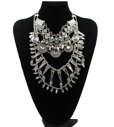 Chunky bib necklace