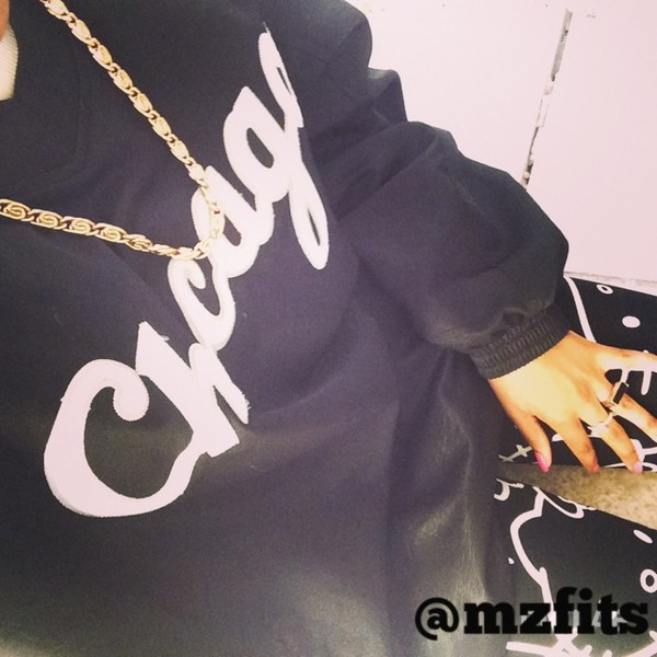 shirt black b&w w&b white oversized sweater sporty sporty team inspire chicago jersey jersey cute spring spring outfits selfie dope instagram instagram india love new york city new york city 80s style retro jordans vintage today ootd hello kitty hello kitty gold necklace comfy comfy