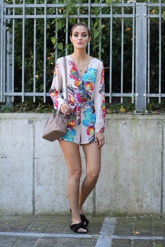 from brussels with love blogger romper bag jewels