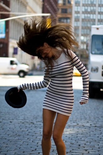 dress stripes sweater dress black and white sailor stripes bodycon white black striped dress long sleeves clothes fall outfits tan dress bodycon dress winter dress long sleves longsleved dress crewneck soft cashmere cute cute dress style long sleeve dress white dress short dress new york city stripe bodycon dress mariniere navy shirt black and white dress knitwear casual dress white navy blue stripe dress