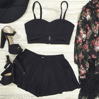 shorts black kimono floral floral kimono black shorts black crop top crop tops bustier black bustier tank top cardigan