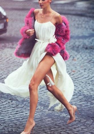 fur feathers whit beige heels coat