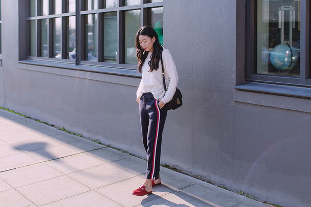 hey pretty thing blogger sweater pants shoes jewels bag loafers shoulder bag blue pants fall outfits