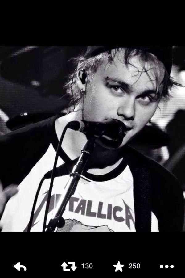 t-shirt band t-shirt michael clifford